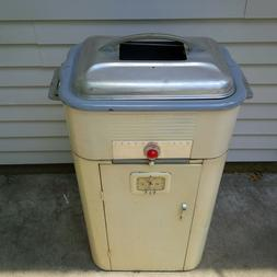 Westinghouse Roaster Oven - Vintage, with Griddle Accessorie